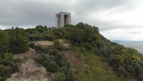 El monumento de los mártires de Canakkale, tiro aéreo giratorio por el abejón almacen de metraje de vídeo