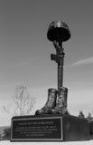 El monumento en el honor de soldados caidos perdió su vida en Iraq y Afganistán en los veteranos Memorial Park, ciudad de Napa Fotos de archivo