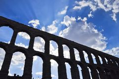 El monumento llamó a Aqueduct de Segovia imagen de archivo
