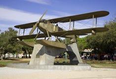El monumento a los pilotos después del primer vuelo a través hidroavión del Lusitania del Atlántico, Lisboa Portugal Imágenes de archivo libres de regalías