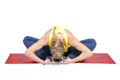 El mostrar femenino joven apto del instructor de la yoga diferente Fotografía de archivo