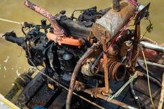 El motor viejo del barco aherrumbró Imagenes de archivo