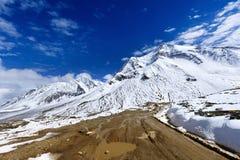 El mountai delantero de la nieve de la manera Fotos de archivo