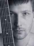 El músico el guitarrista Fotografía de archivo libre de regalías