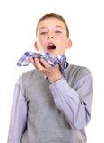 El muchacho consiguió una gripe Imagen de archivo libre de regalías