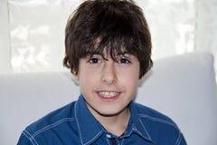 El muchacho está sonriendo Fotos de archivo libres de regalías