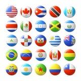 El mundo señala por medio de una bandera alrededor de las insignias, imanes Norte y Suramérica Foto de archivo