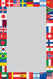 El mundo señala el marco de los iconos por medio de una bandera Imágenes de archivo libres de regalías