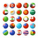 El mundo señala por medio de una bandera alrededor de las insignias, imanes Asia y Oceanía Fotografía de archivo