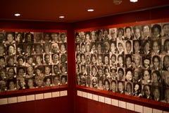 El museo activo de las mujeres en guerra y paz fotos de archivo libres de regalías