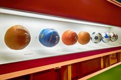El museo del fútbol es un espacio dedicado a los diversos temas que implican la práctica, la historia y el cur, Sao Paulo, Brazi imagenes de archivo