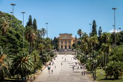 El museo Museu de Ipiranga hace Ipiranga y el parque Parque DA Independencia - Sao Paulo, el Brasil de la independencia Imagen de archivo libre de regalías