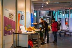 El Museo Nacional de la ciencia emergente en Odaiba Foto de archivo