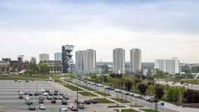 El museo silesio y el alto edificio residencial, Katowice, político Fotos de archivo libres de regalías