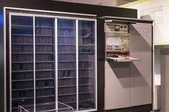 El museo técnico en Viena exhibe la producción de exposición se dedica al desarrollo de los ordenadores y de Internet n fotos de archivo libres de regalías