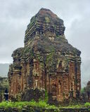 El musgo antiguo cubrió el templo Imagenes de archivo
