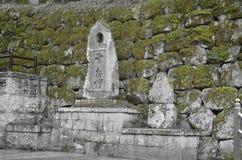 El musgo cubrió piedras Fotografía de archivo libre de regalías