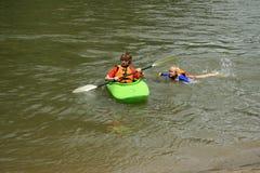 El nadar y el Kayaking Imagen de archivo libre de regalías