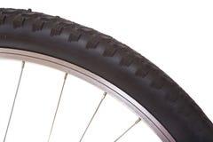 El neumático de la bici de montaña aisló Imagen de archivo libre de regalías