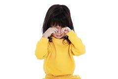 El niño chino que despierta, muchacha parece soñoliento por la mañana, isola foto de archivo