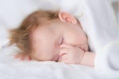 El niño durmiente Imágenes de archivo libres de regalías