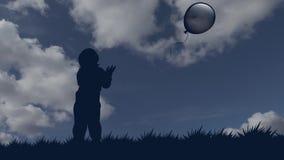 El niño pequeño deja el globo ir al cielo silueta inmóvil de un muchacho con un globo contra la perspectiva de almacen de metraje de vídeo