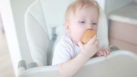 El niño primero come el pan metrajes
