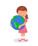 El niño y la tierra: Niña que abraza la tierra en un fondo blanco El concepto de diseño del Día de la Tierra Fotografía de archivo libre de regalías