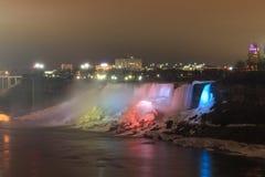 El Niagara Falls es cascadas voluminosas en el río Niágara Fotografía de archivo libre de regalías