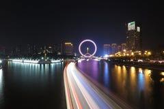 El nightscape del ojo de Tianjin Fotos de archivo
