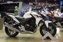 El nuevo cbsoof de la motocicleta de Honda con ABS se rompe en la trigésima expo internacional del motor de Tailandia el 3 de dici Foto de archivo