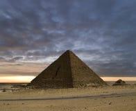 El nuevo día de las pirámides Imagenes de archivo
