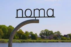 El nuevo NOMA Posts de muestra del logotipo del restaurante NOMA - uno de la estrella de Michelin de los mejores restaurantes del imagen de archivo