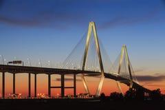 Nuevo SC del puente de la Cable-Estancia del río del tonelero Imágenes de archivo libres de regalías
