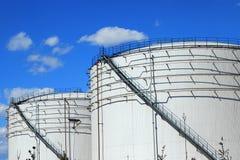 El nuevo tanque de almacenamiento químico fotografía de archivo