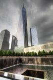 El nuevo World Trade Center y el monumento 911 en Nueva York Imagenes de archivo