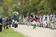 El 225o aniversario de la victoria en Yorktown, una reconstrucción del cerco de Yorktown, donde commande de general George Washin Fotos de archivo libres de regalías