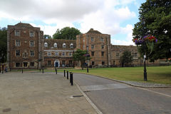 El obispo Palace de Ely imagen de archivo libre de regalías