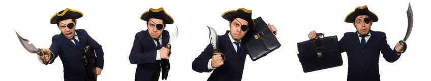 El observ? al pirata con la cartera y la espada aisladas en blanco imagenes de archivo