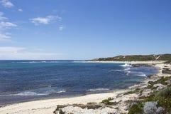 El Océano Índico en Margaret River Western Australia en comienzo del verano fotos de archivo
