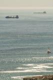 El Océano Atlántico visto del Kloof Nek sobre bahía de los campos Fotos de archivo libres de regalías