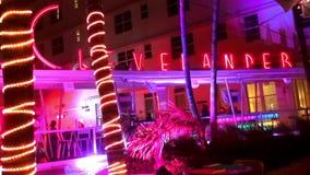 El océano del hotel del club de Clevelander y de Miami Beach de la barra del cóctel conduce paisajes urbanos de los E.E.U.U. almacen de metraje de vídeo