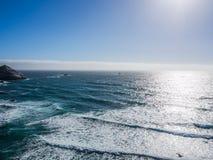 El océano en la costa costa pacífica, Big Sur en la carretera 1 Fotos de archivo libres de regalías