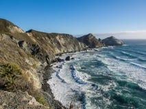El océano en la costa costa pacífica, Big Sur en la carretera 1 Imágenes de archivo libres de regalías