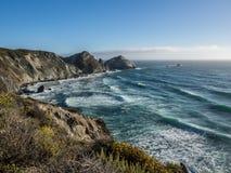 El océano en la costa costa pacífica, Big Sur en la carretera 1 Fotografía de archivo