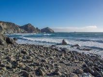 El océano en la costa costa pacífica, Big Sur en la carretera 1 Fotografía de archivo libre de regalías