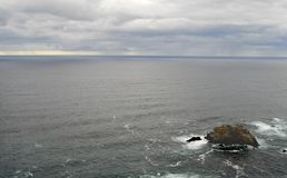 El Océano Pacífico oscila dos foto de archivo libre de regalías