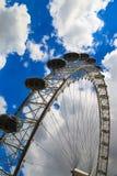 El ojo de Londres es la noria más alta de Europa Fotos de archivo