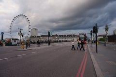 El ojo de Londres o la rueda del milenio Foto de archivo