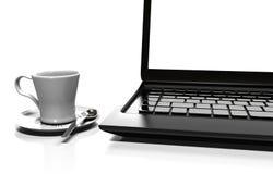El ordenador portátil aislado en blanco con la trayectoria de recortes, 3d rinde stock de ilustración